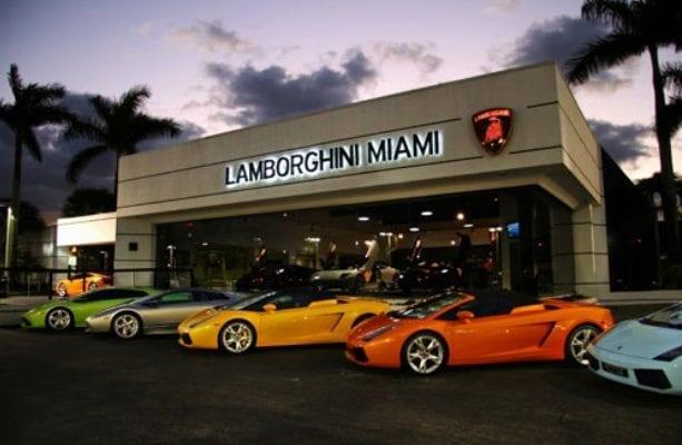Concession voiture de luxe marché automobile et marketing digital