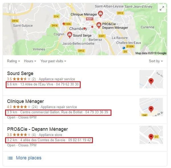 Résultats de recherche Google avec trois fiches locales dans la zone de résultats de recherche Google My Business.