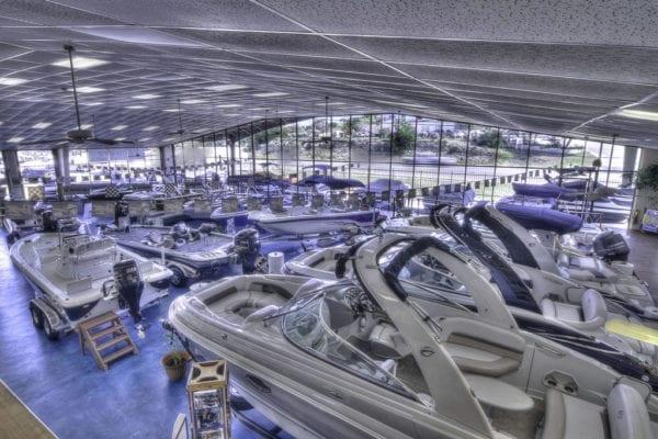 Des photos et vidéos pour votre site internet de concession de bateaux
