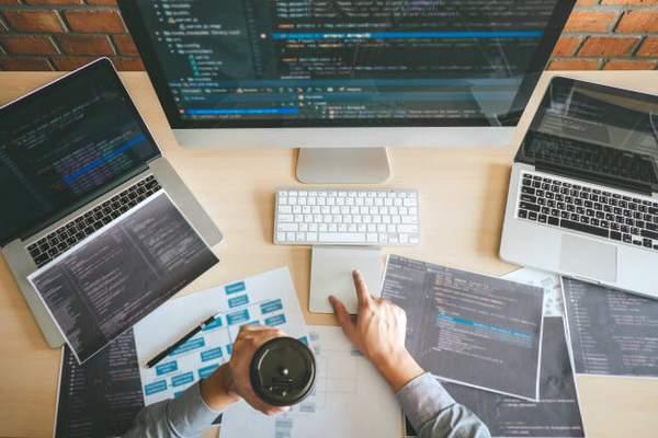Engager une agence de conception de site web : Votre guide sans équivoque pour embaucher un designer